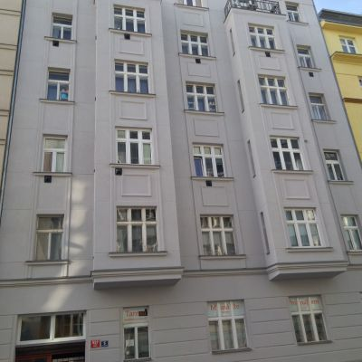 Praha 8 - Pod Kotlaskou 557